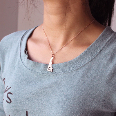 Custom Delaware State Shaped Necklaces With Heart  Name Rose Gold - The Name Jewellery™