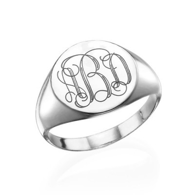 Signet Ring in Sterling Silver with Engraved Monogram - The Name Jewellery™