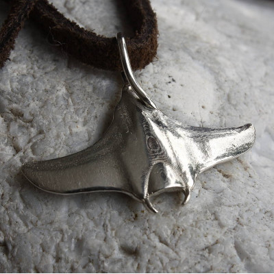 Manta Ray Necklace - The Name Jewellery™